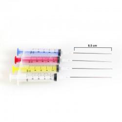 Spritze und Nadel für die Abfüllung